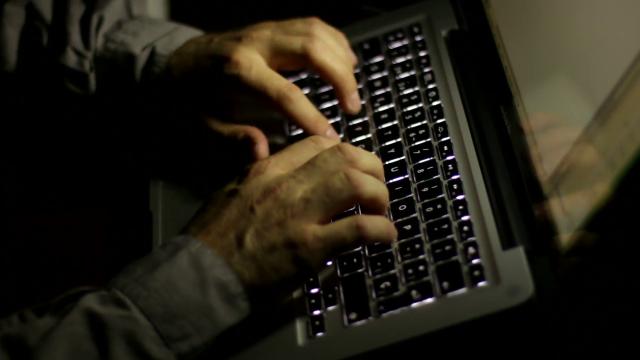 writer hands
